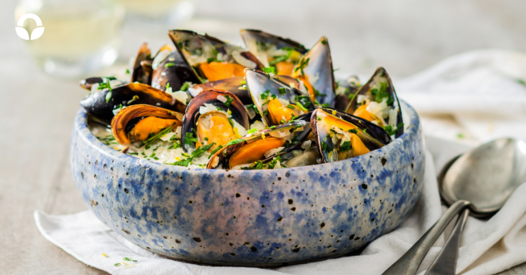 Garlic Mussels with a Creamed White Wine Broth