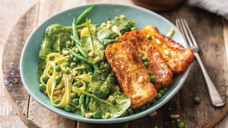 Easy Green – Spinach Pasta with Gremolata & Halloumi
