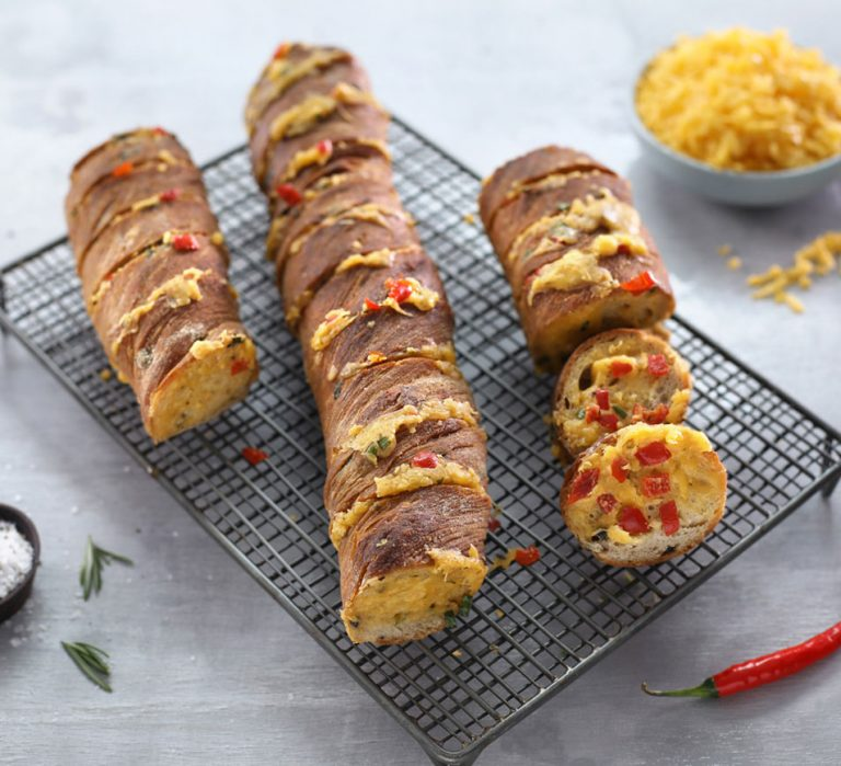 Cheesy Garlic Braai Loaf