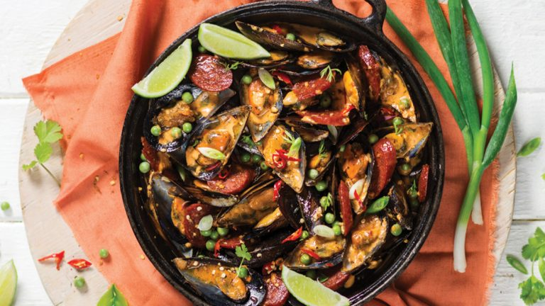 SPICY MUSSELS WITH CHORIZO IN A CREAMY WHITE WINE SAUCE