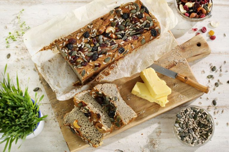 CRANBERRY AND SEED HEALTH BREAD