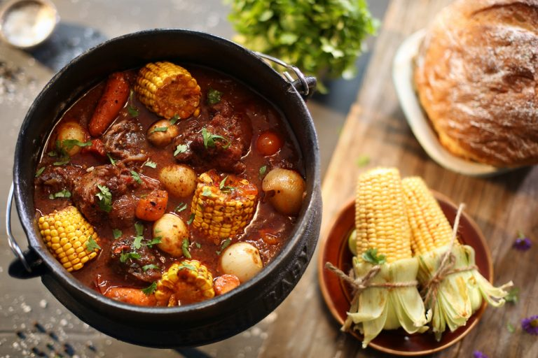 RICH OXTAIL POTJIE WITH CHARGRILLED MEALIES