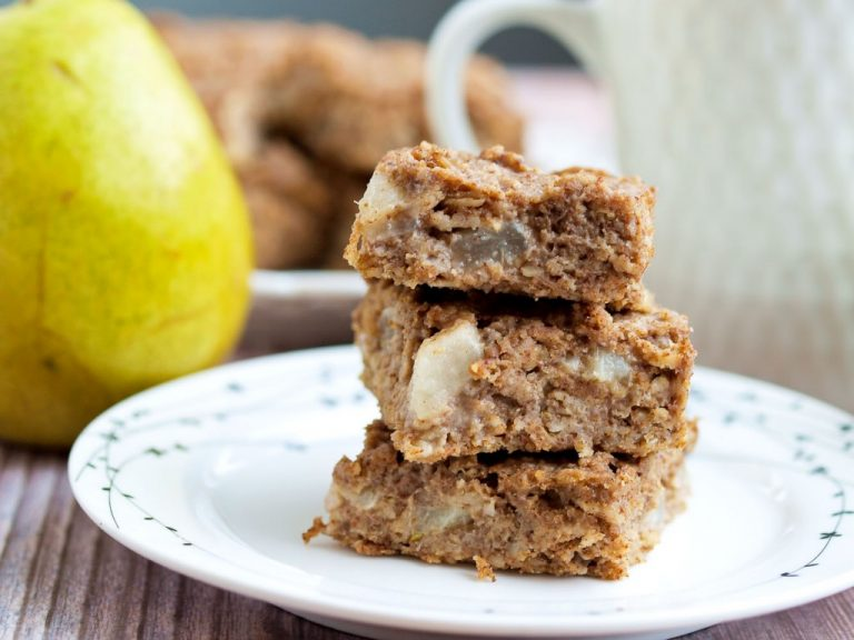 Pear Oatmeal On-The-Go Bars