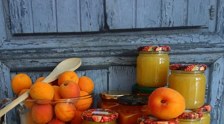 Makers' Apricot and Ginger Jam