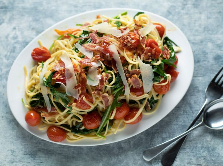 Cocktail Tomato and Rocket Pasta with Crispy Pancetta